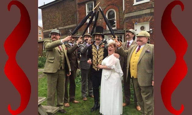 On Saturday 9th April Handlebar Club member James Dyer married Gina Webb at Ruskin House in Croydon.
